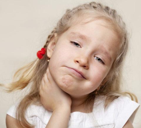 Зоб у ребенка (на фото) развивается постепенно