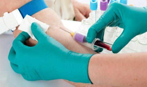 Процедура забора крови занимает несколько секунд