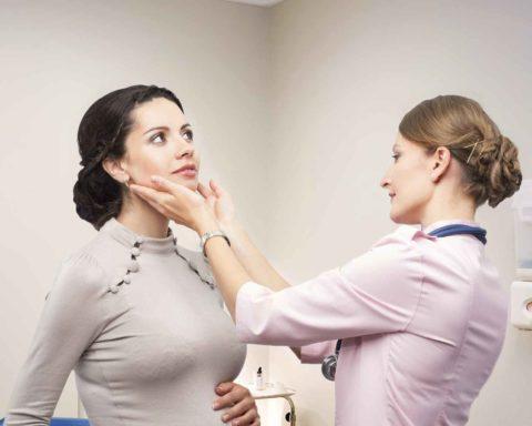 Болезни щитовидной железы часто обостряются во время беременности