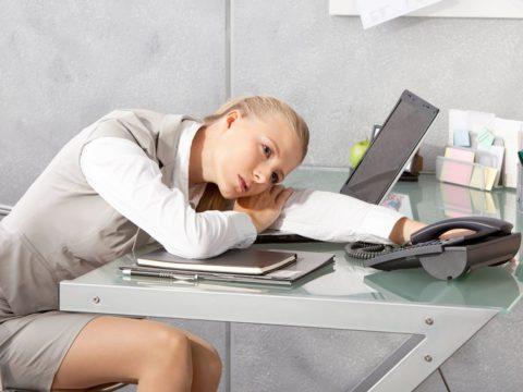 Хроническая усталость – один из признаков увеличения Т4