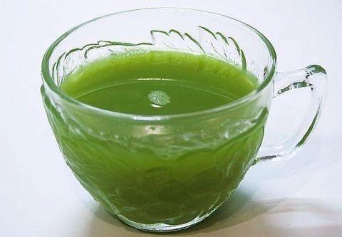 Сок каланхоэ и вода. Из небольшого количества листиков выдавите сок, разведите с водой, поласкайте ротовую полость.