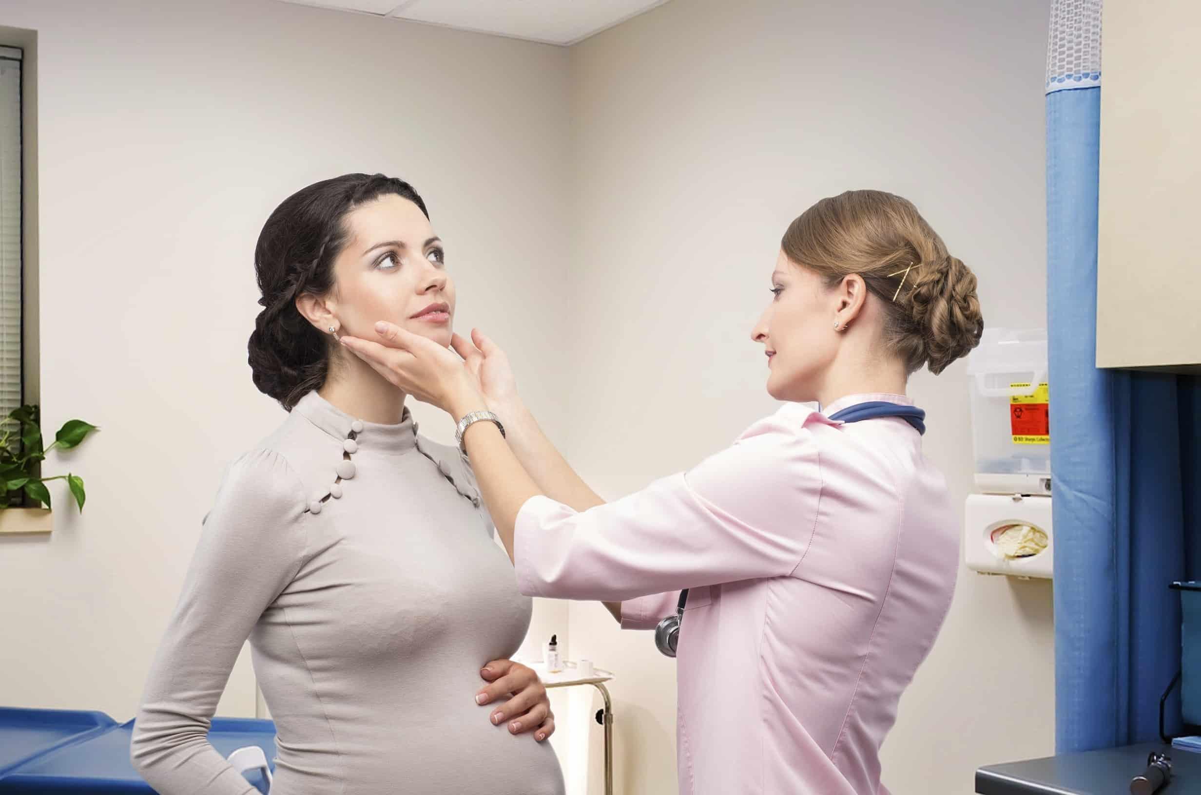 Беременным женщинам повышенное внимание эндокринолога.